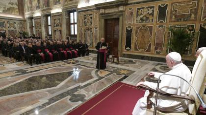 Папа: церква не є байдужою до болю зранених подружніх пар