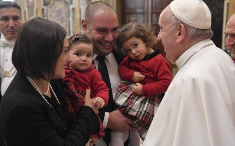 Папа Франциск: Церква потребує подружжь, які не замикаються у собі